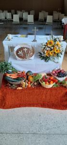 Festlich geschmückter Altar